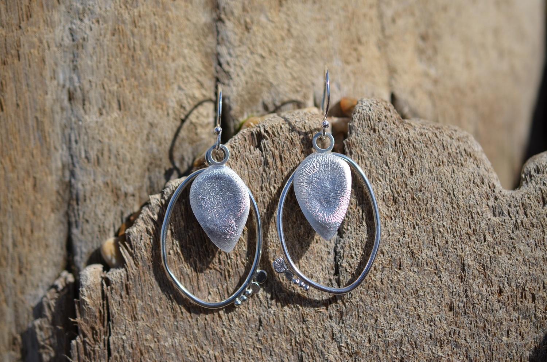 Reticulated Drop Earrings. £46
