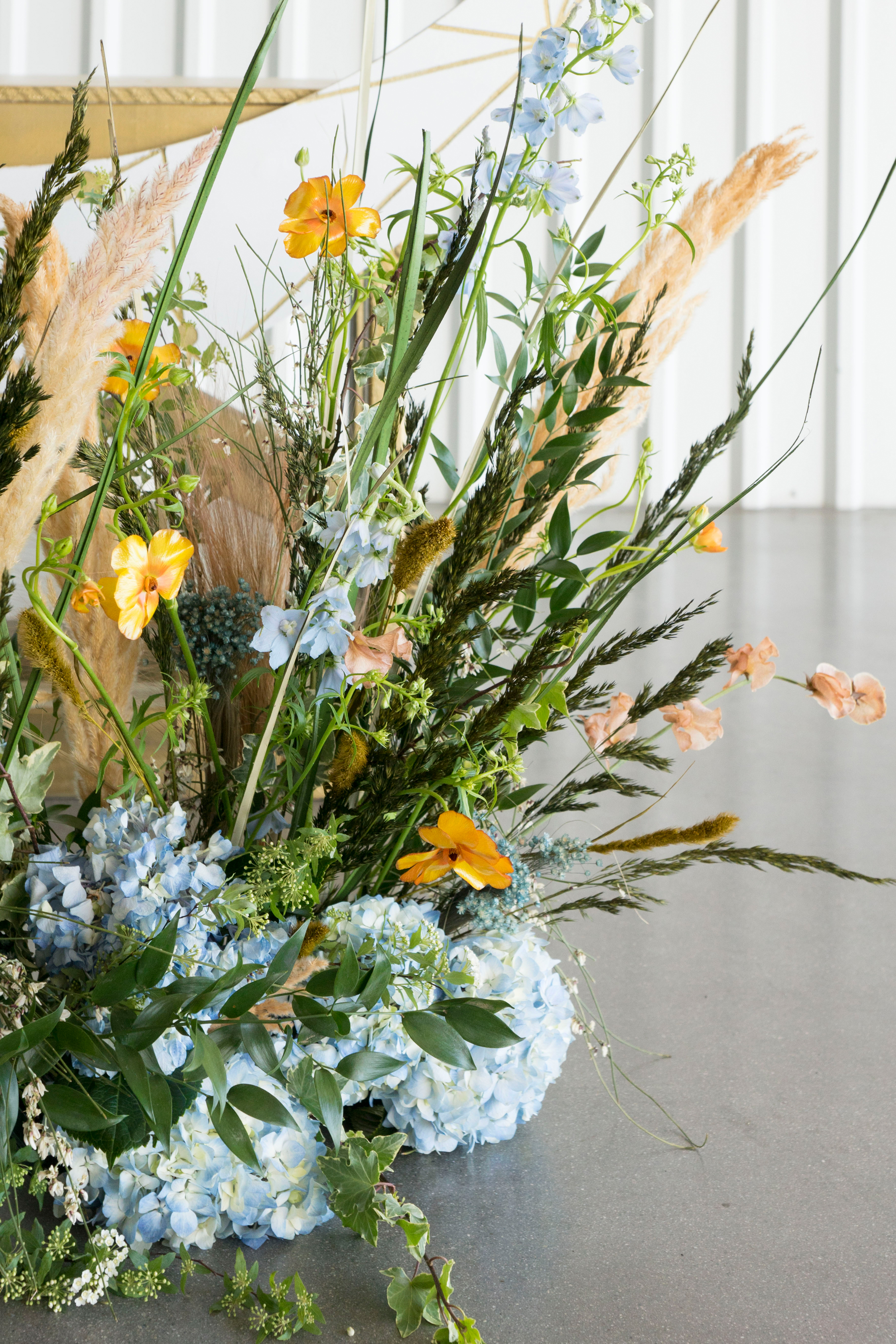 modern wheat ceremony floral.jpg