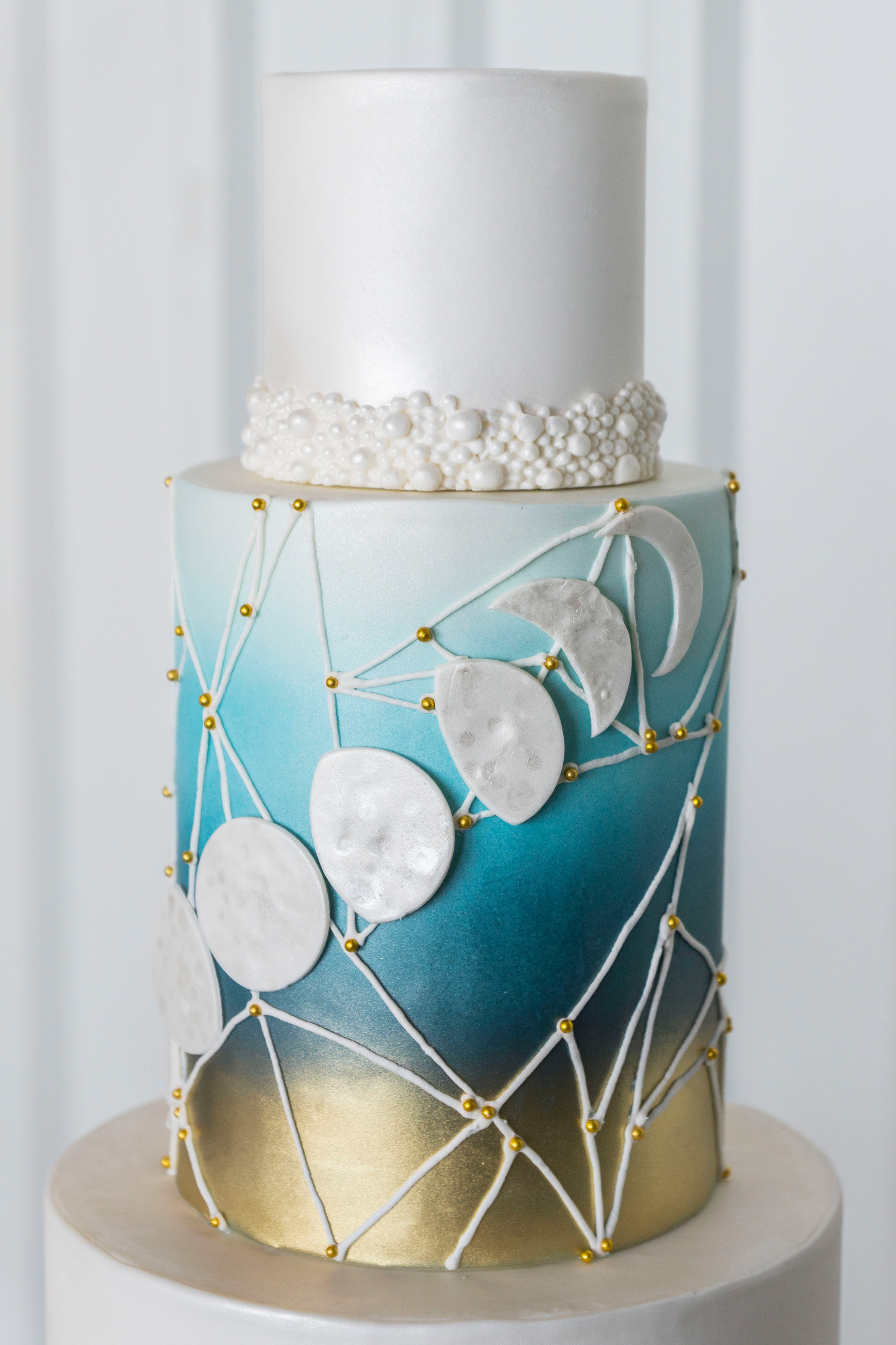 moon phase wedding cake.jpg