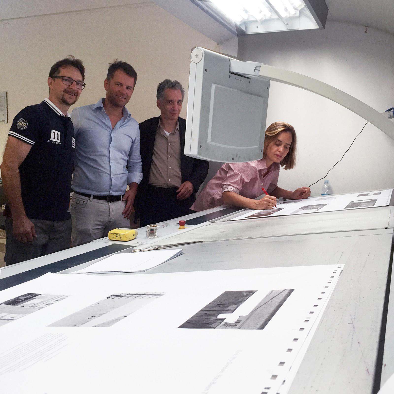 Signing Press sheets at Grafiche Si.Z, Verona Italy