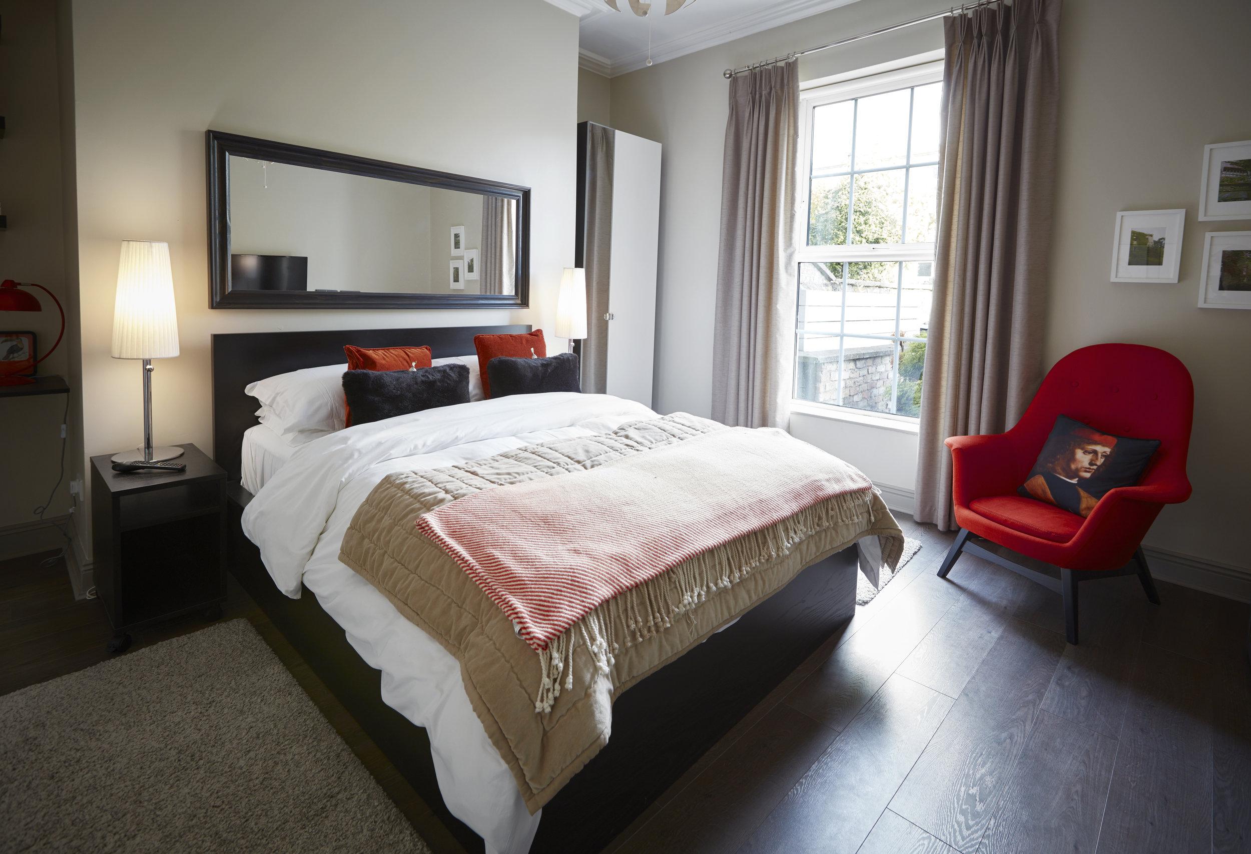 Richard Crosbie Room (Deluxe Double Room)