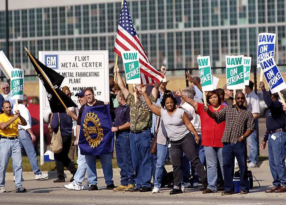 UAW on strike in Flint, Michigan in 1998