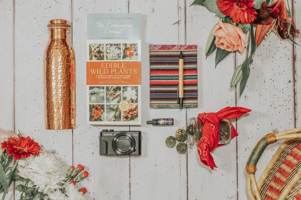 What's in My Bag with Hadas Knox
