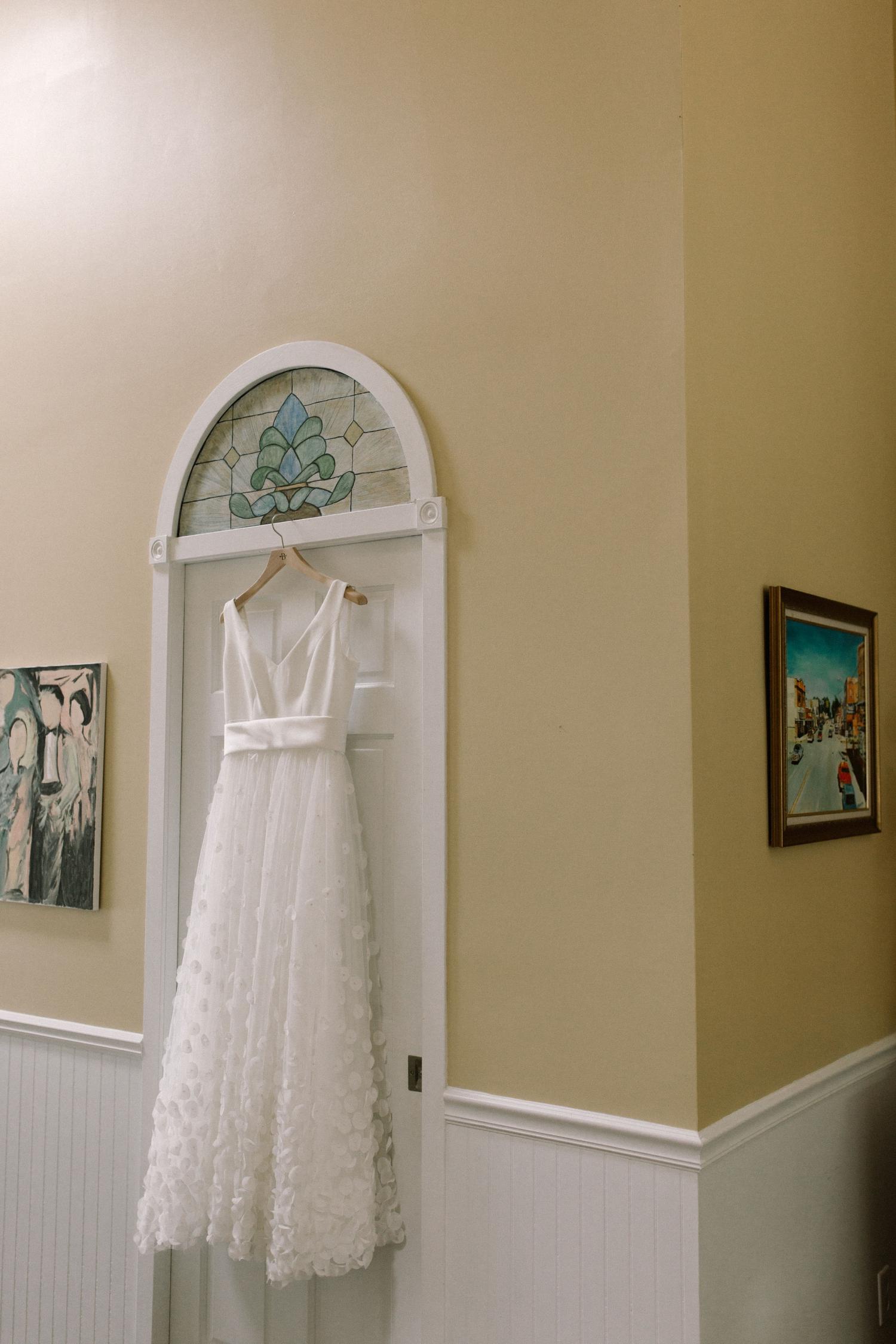 Michigan Frontyard Lake Wedding - Lauren Crawford Photography-21.jpg