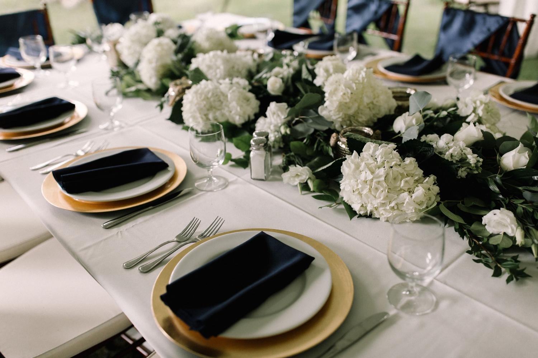 Michigan Frontyard Lake Wedding - Lauren Crawford Photography-122.jpg