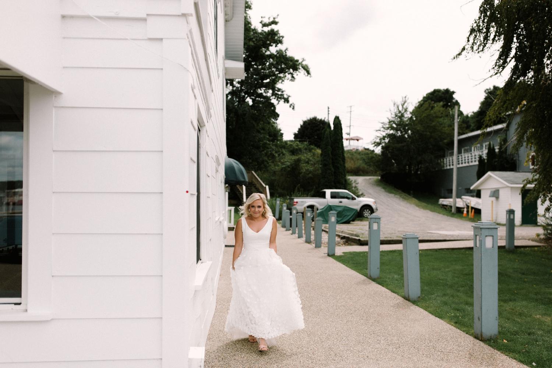 Michigan Frontyard Lake Wedding - Lauren Crawford Photography-175.jpg