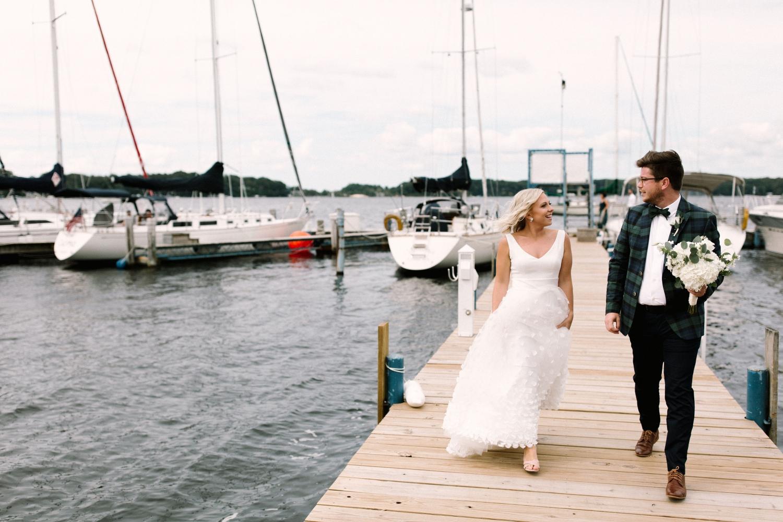 Michigan Frontyard Lake Wedding - Lauren Crawford Photography-258.jpg
