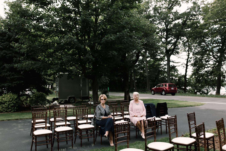 Michigan Frontyard Lake Wedding - Lauren Crawford Photography-504.jpg