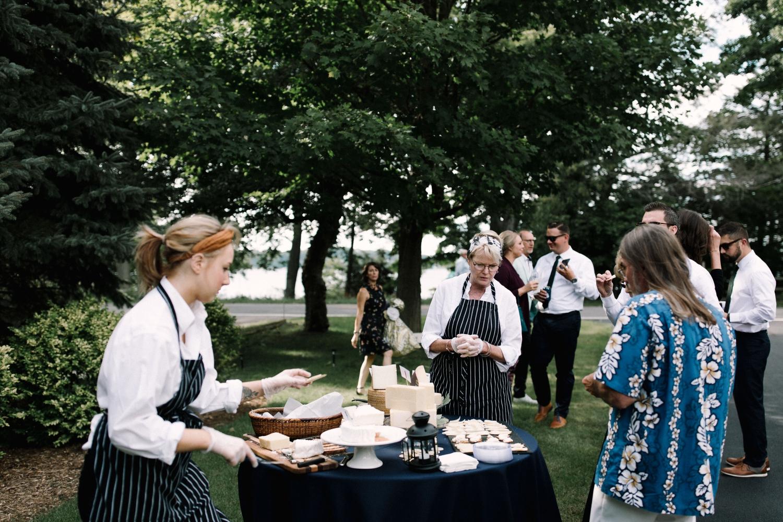 Michigan Frontyard Lake Wedding - Lauren Crawford Photography-529.jpg
