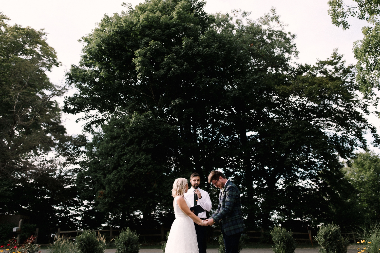 Michigan Frontyard Lake Wedding - Lauren Crawford Photography-569.jpg