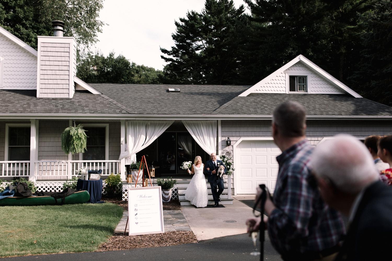 Michigan Frontyard Lake Wedding - Lauren Crawford Photography-558.jpg