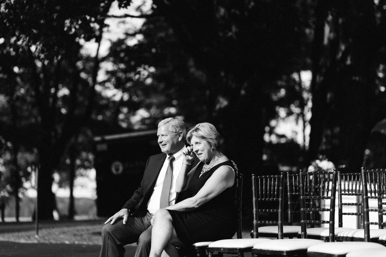 Michigan Frontyard Lake Wedding - Lauren Crawford Photography-609.jpg