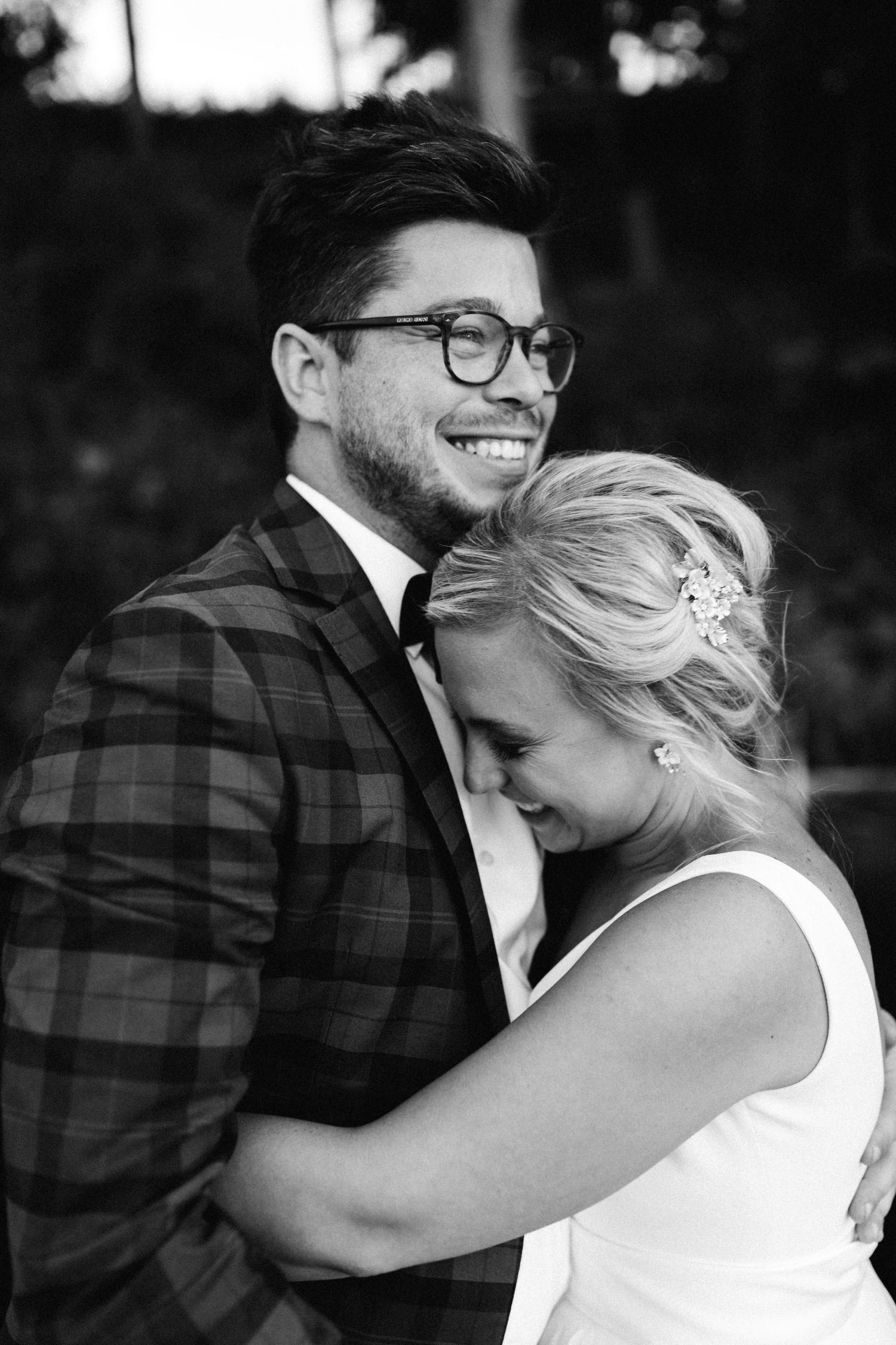 Michigan Frontyard Lake Wedding - Lauren Crawford Photography-734.jpg