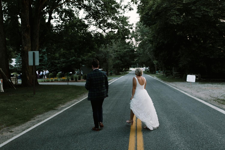 Michigan Frontyard Lake Wedding - Lauren Crawford Photography-810.jpg