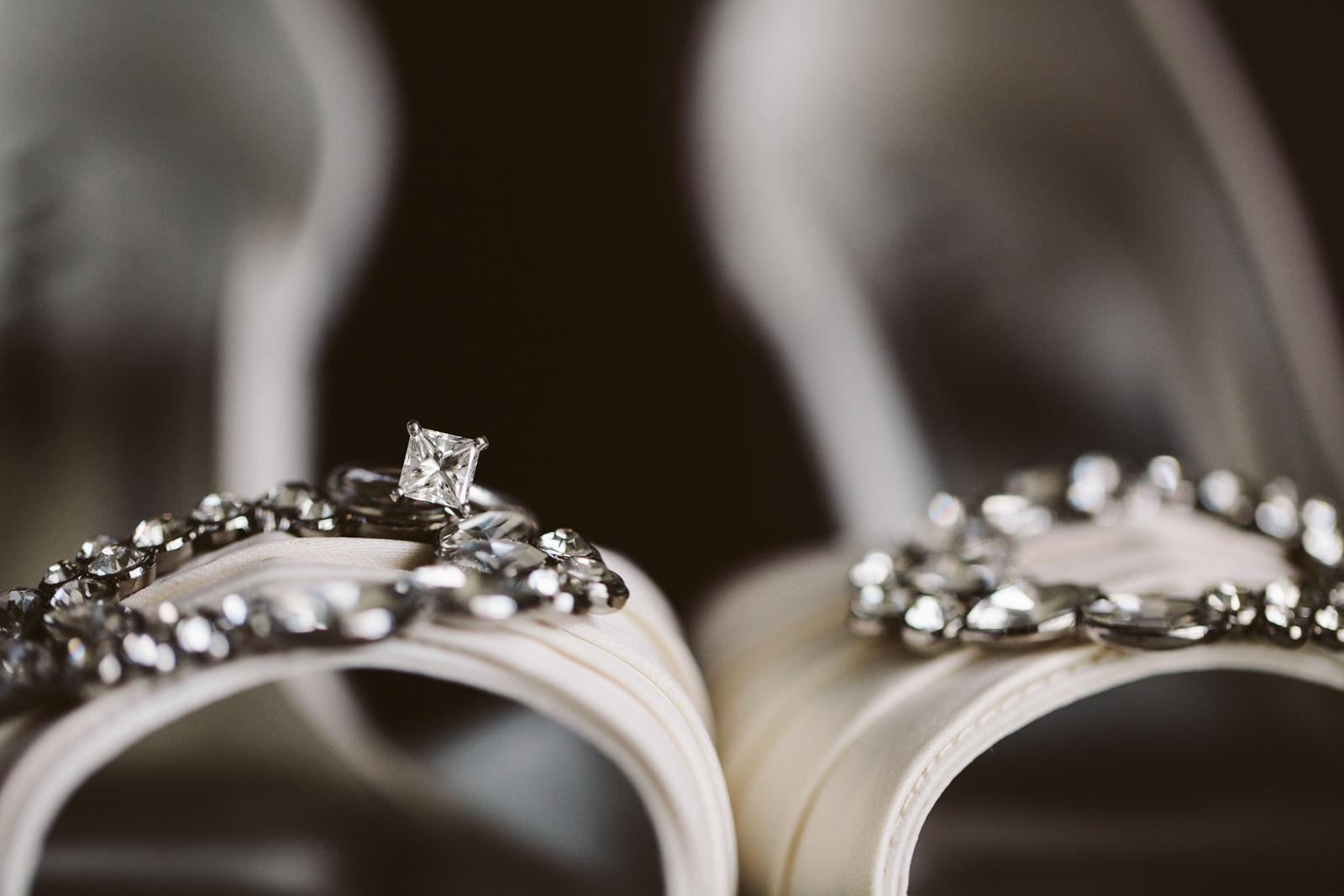 Eastons-Beach-Rotunda-Ballroom-Wedding-Newport-Rhode-Island-PhotographybyAmandaMorgan-12.jpg