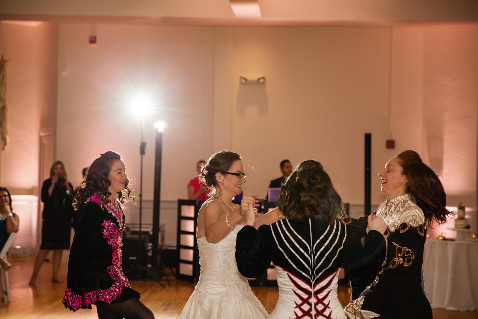 Eastons-Beach-Rotunda-Ballroom-Wedding-Newport-Rhode-Island-PhotographybyAmandaMorgan-113.jpg