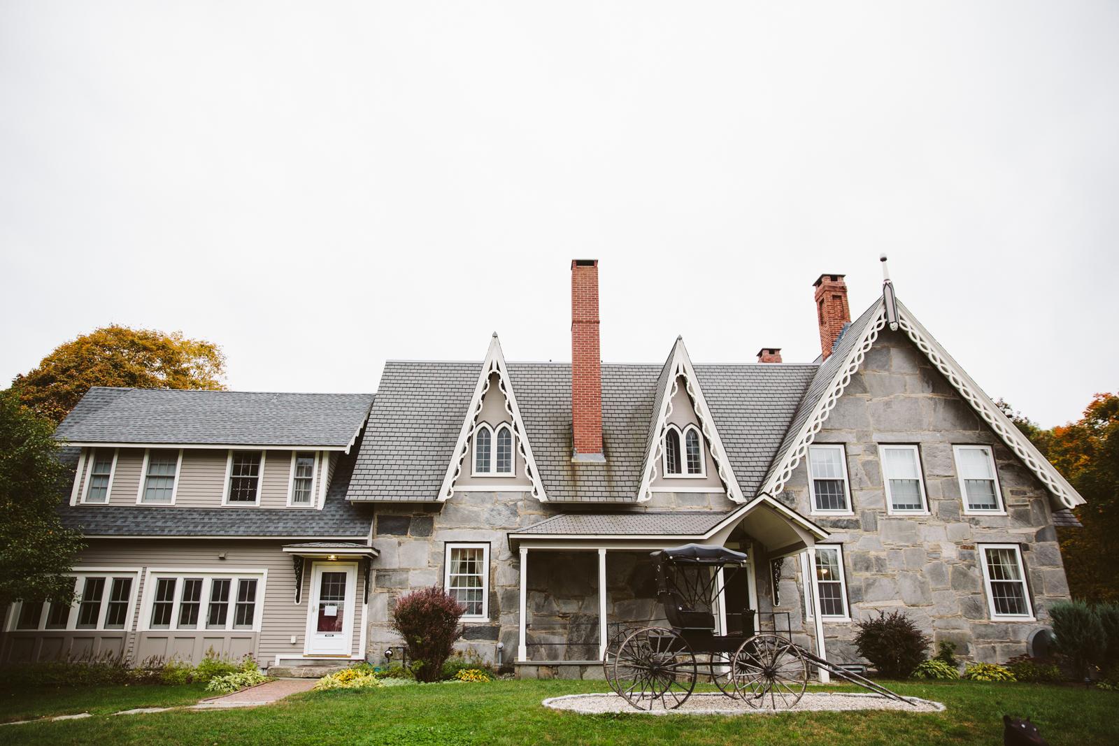 Glimmerstone-Mansion-Vermont-Wedding-Photography-Amanda-Morgan-1.jpg
