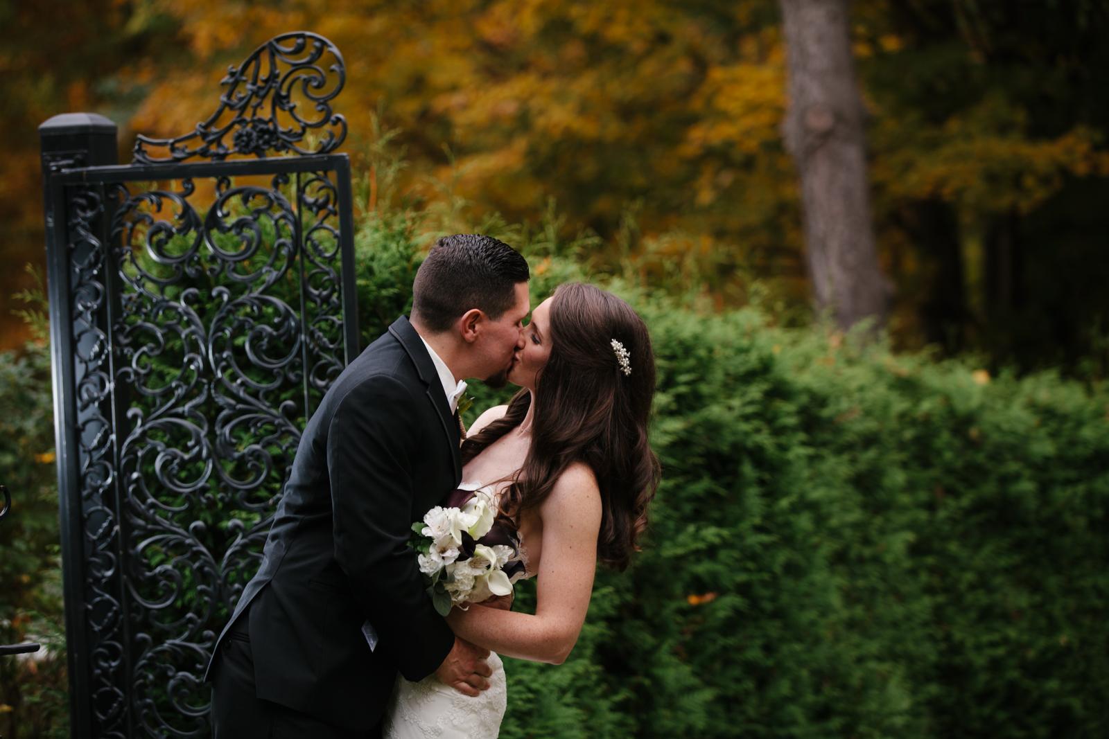 Glimmerstone-Mansion-Vermont-Wedding-Photography-Amanda-Morgan-83.jpg