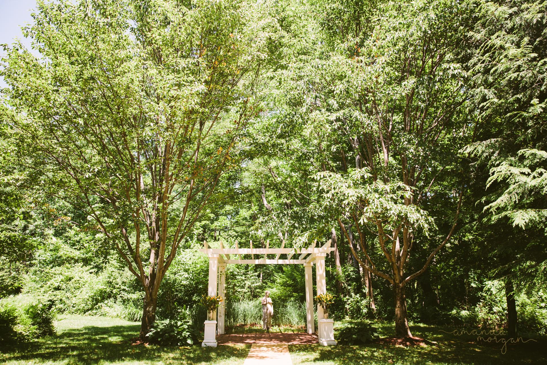 Glimmerstone-Mansion-Vermont-Wedding-Amanda-Morgan-27.jpg