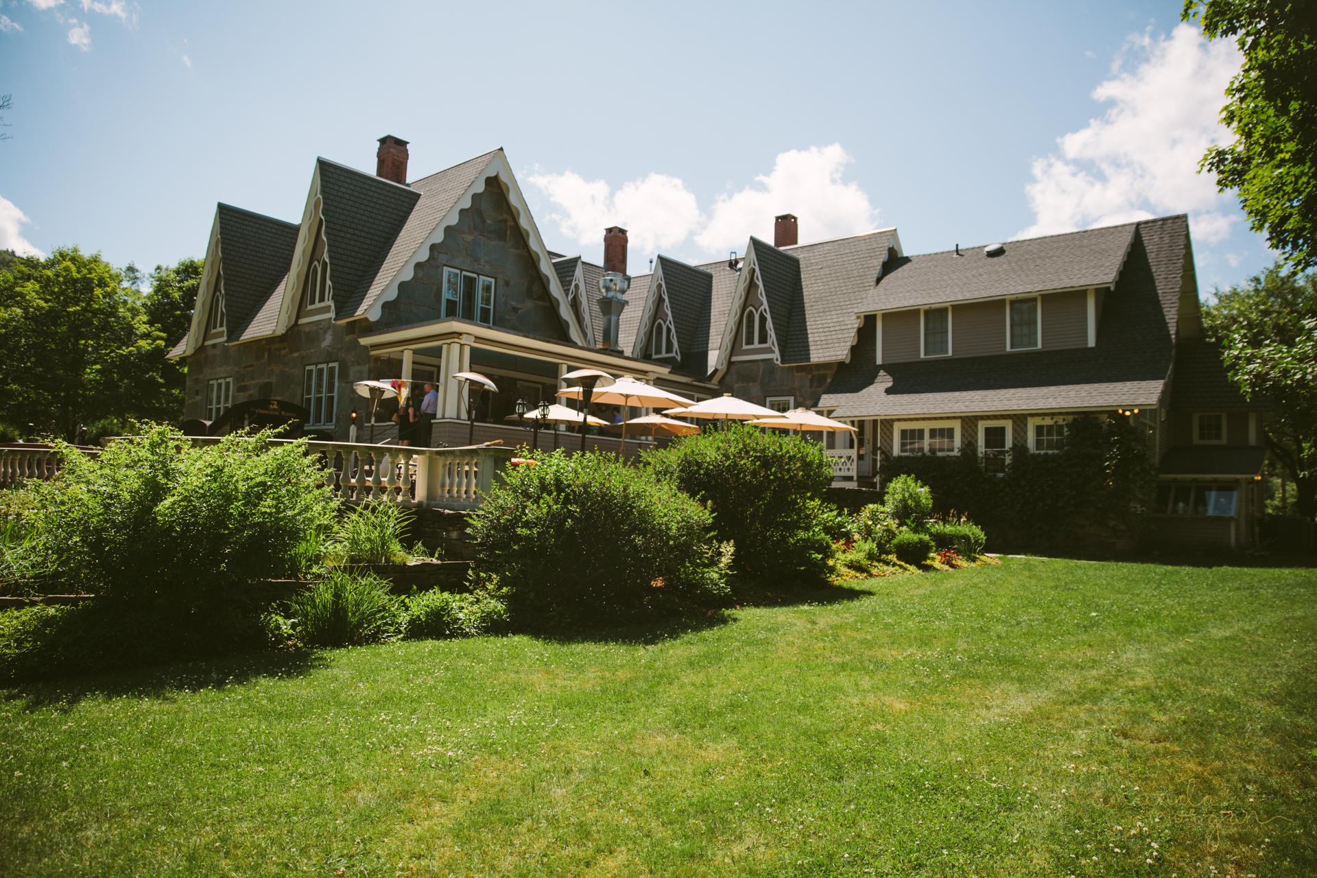 Glimmerstone-Mansion-Vermont-Wedding-Amanda-Morgan-35.jpg