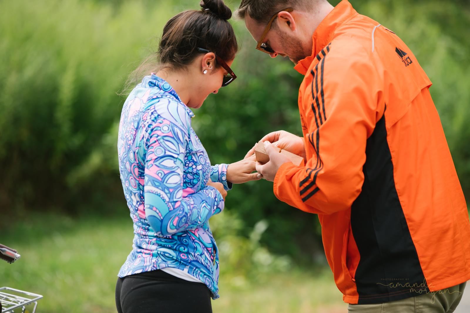 Surprise-Engagement-photos-amanda-morgan-8.jpg