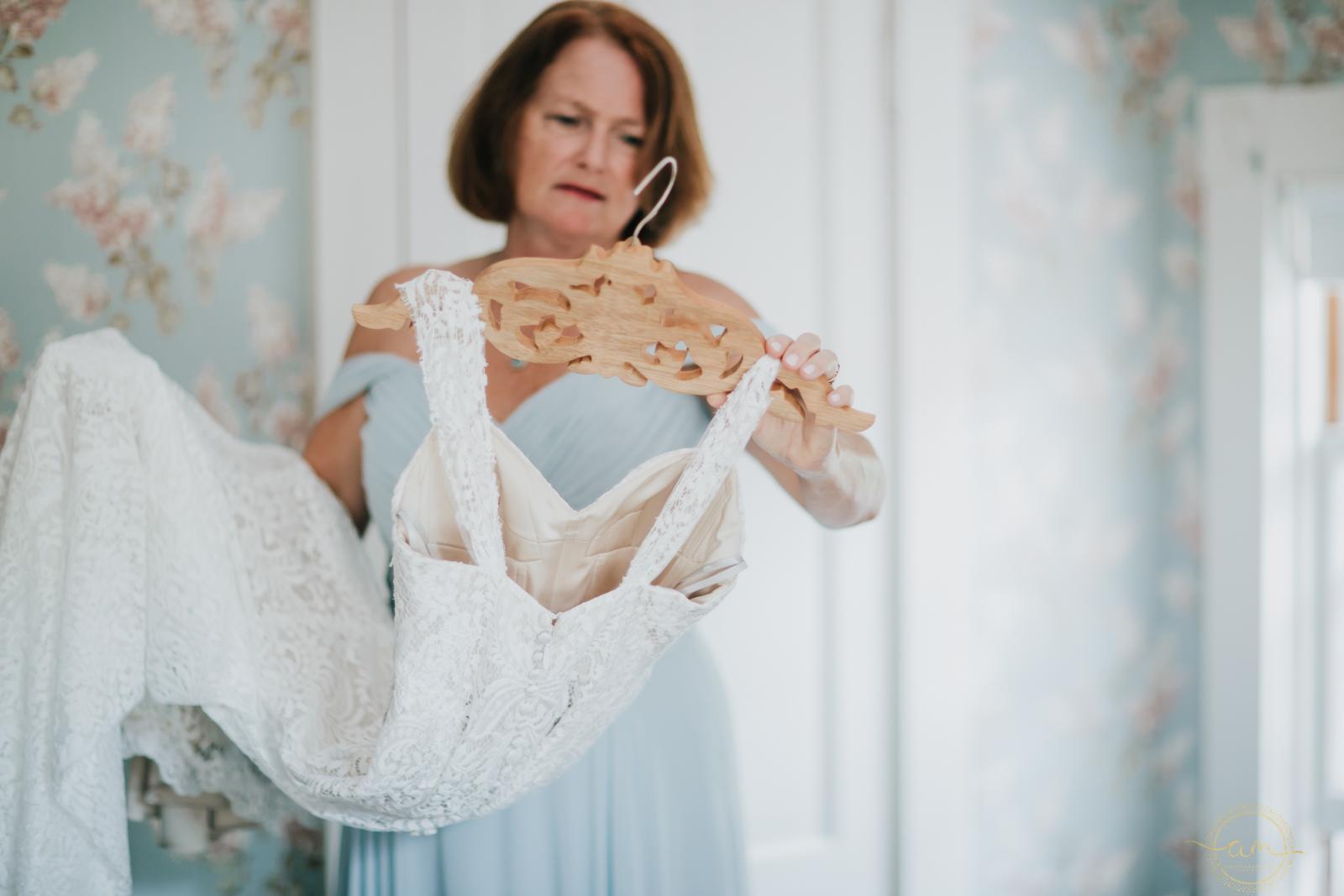 Narragansett-RI-Beach-Wedding-Amanda-Morgan-8.jpg