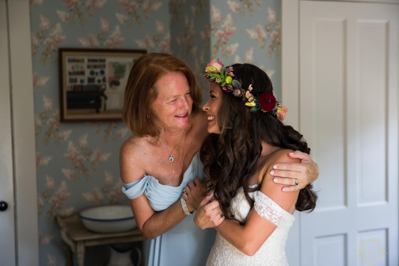 Narragansett-RI-Beach-Wedding-Amanda-Morgan-9.jpg