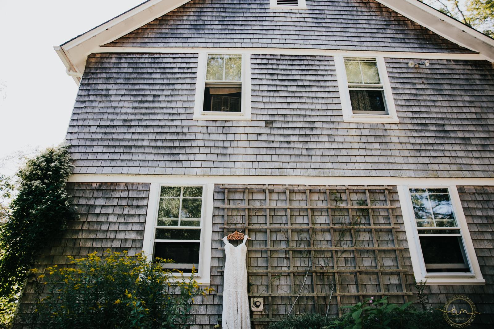 Narragansett-RI-Beach-Wedding-Amanda-Morgan-7.jpg
