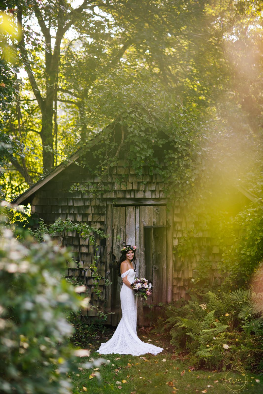 Narragansett-RI-Beach-Wedding-Amanda-Morgan-14.jpg
