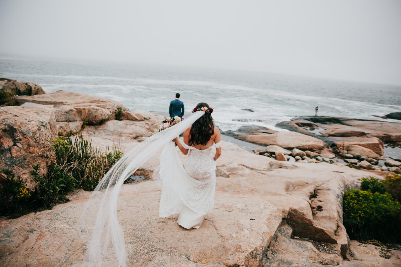 Narragansett-RI-Beach-Wedding-Amanda-Morgan-19.jpg