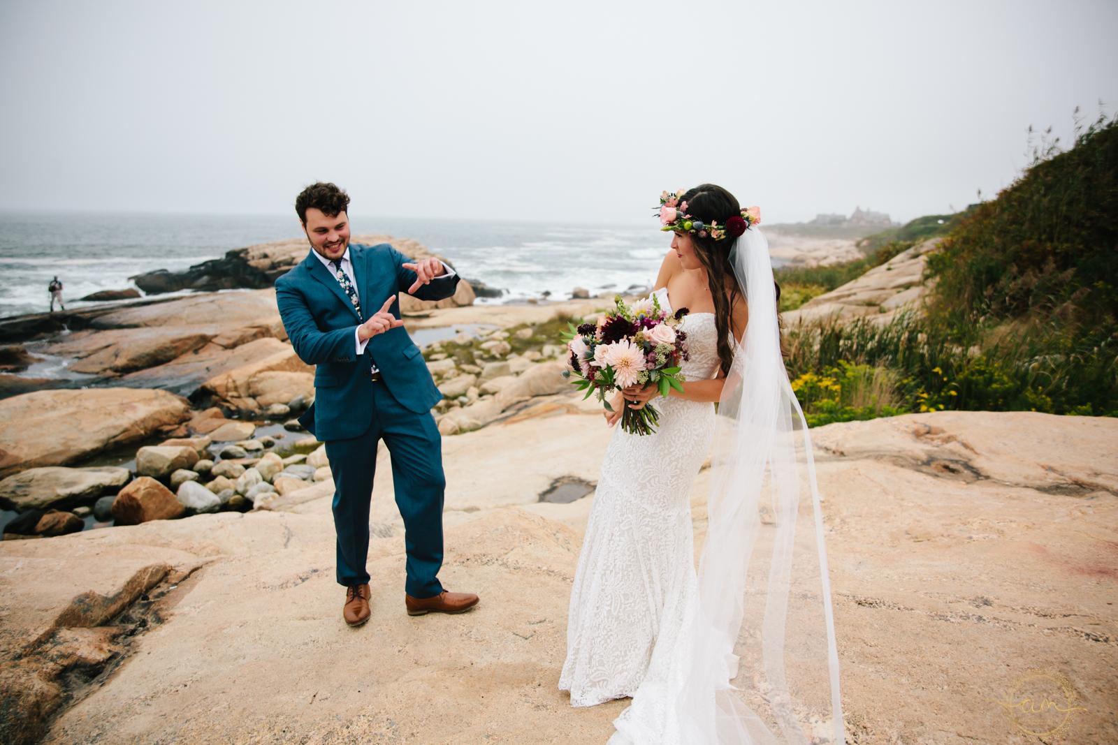 Narragansett-RI-Beach-Wedding-Amanda-Morgan-26.jpg