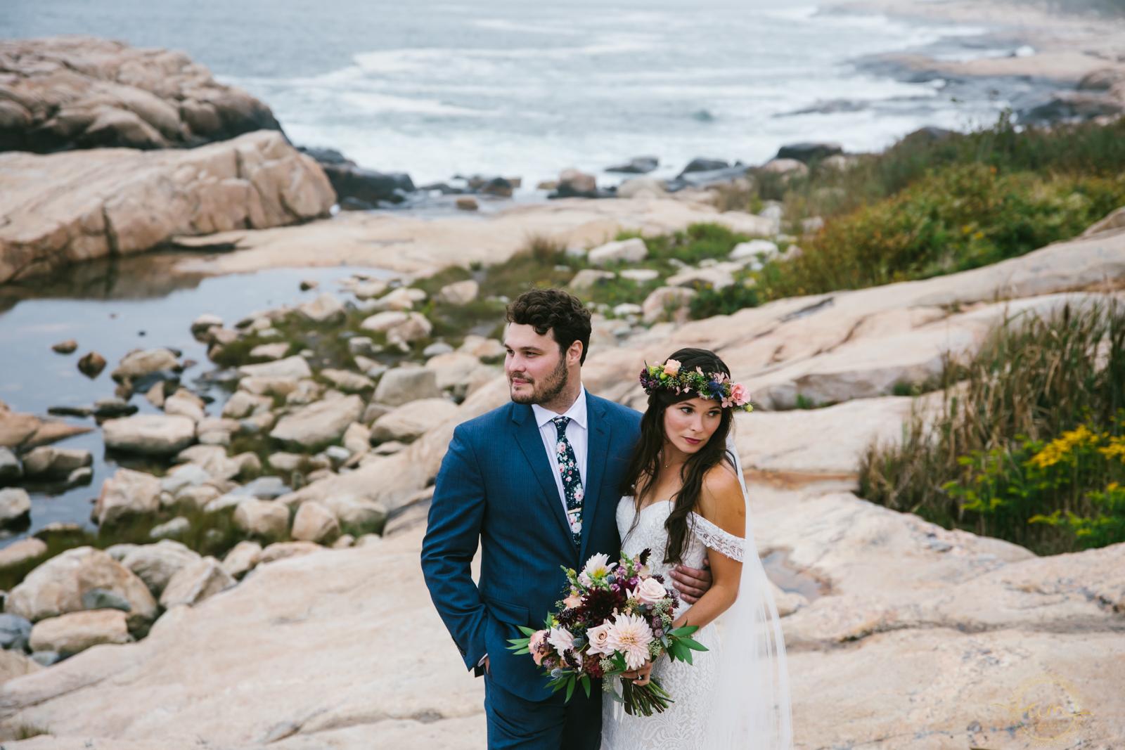 Narragansett-RI-Beach-Wedding-Amanda-Morgan-27.jpg