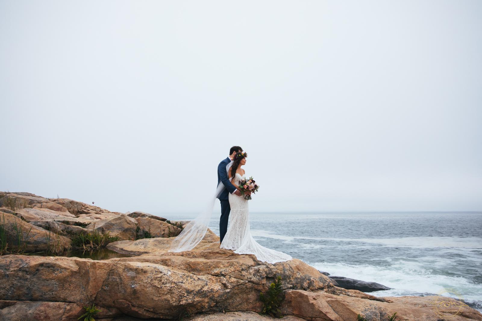 Narragansett-RI-Beach-Wedding-Amanda-Morgan-31.jpg