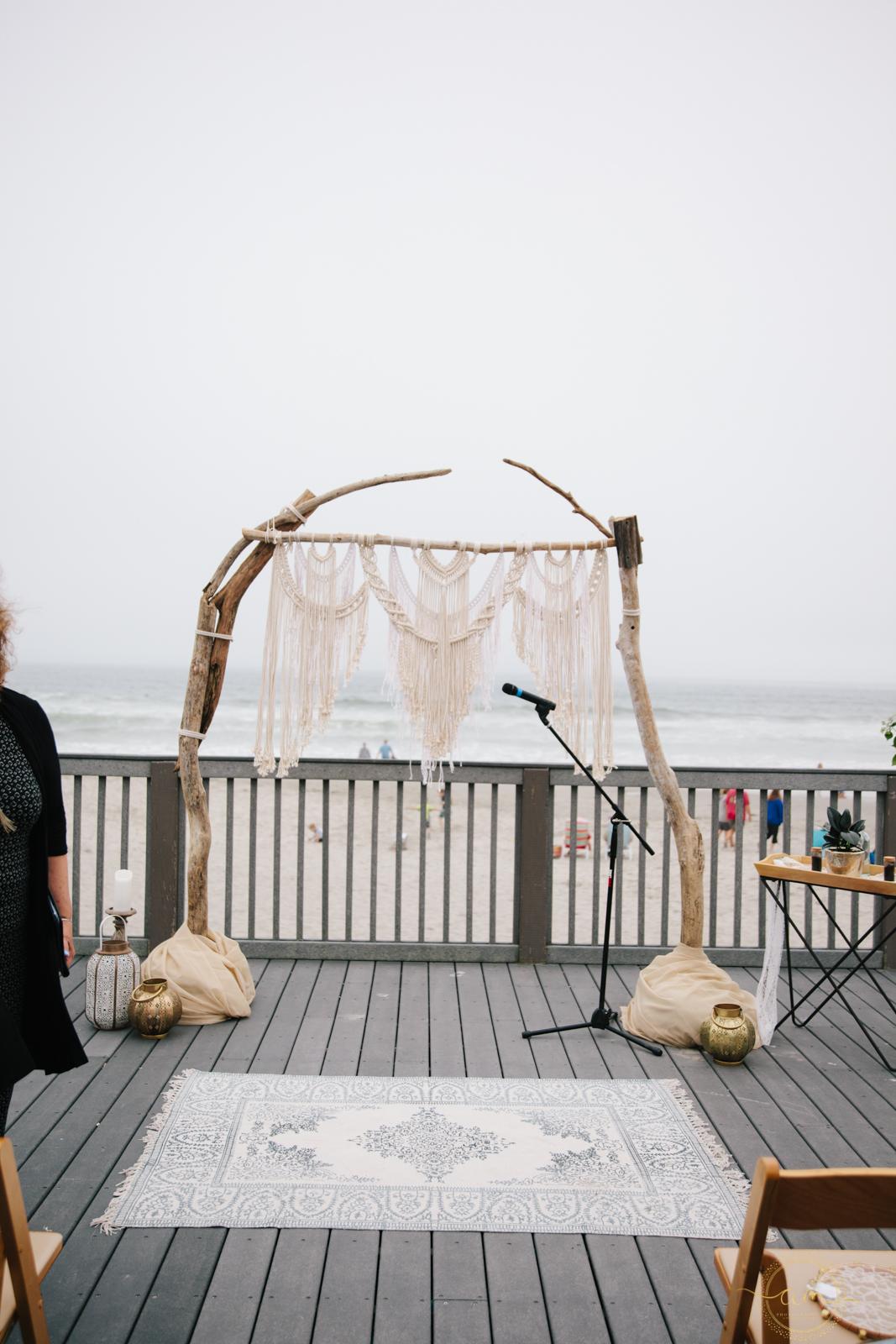 Narragansett-RI-Beach-Wedding-Amanda-Morgan-44.jpg