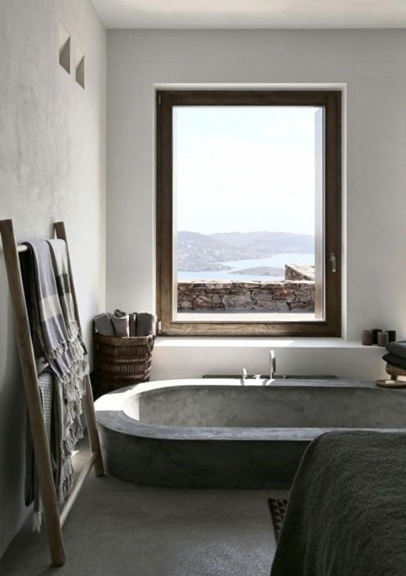 Bathtub  with a view of the sea
