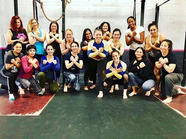 #throwbackthursday ⚡️ Women's Self Defense Seminar ⚡️ Awesome Class! ⚡️@10pwsd @wonderwomandgg @lilasmadja ⚡️ ⚡️ ⚡️ #crossfit #crossfitsynapse #jiujitsu #jiujitsustrength #10thplanet #selfdefense #community #family #encino #reseda #tarzana #losangeles #fitfam #woodlandhills
