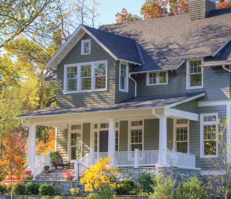 Double Hung Windows  are made up of two sash – one above the other – operating by sliding up and down. We offer colonial American style, with endless hardware, color and configuration options.  Sterling Traditional Majesta® Old World Classic Replacement