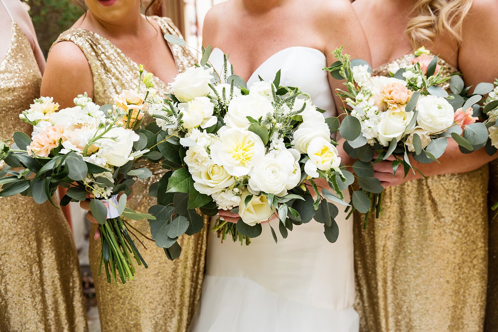 Gold and blush bouquets
