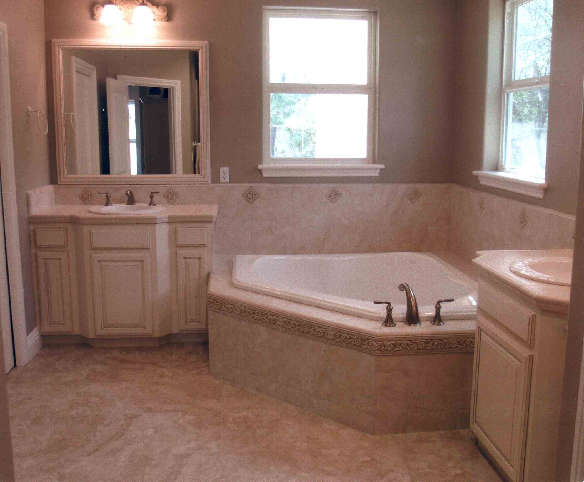 Behiel Bath.jpg
