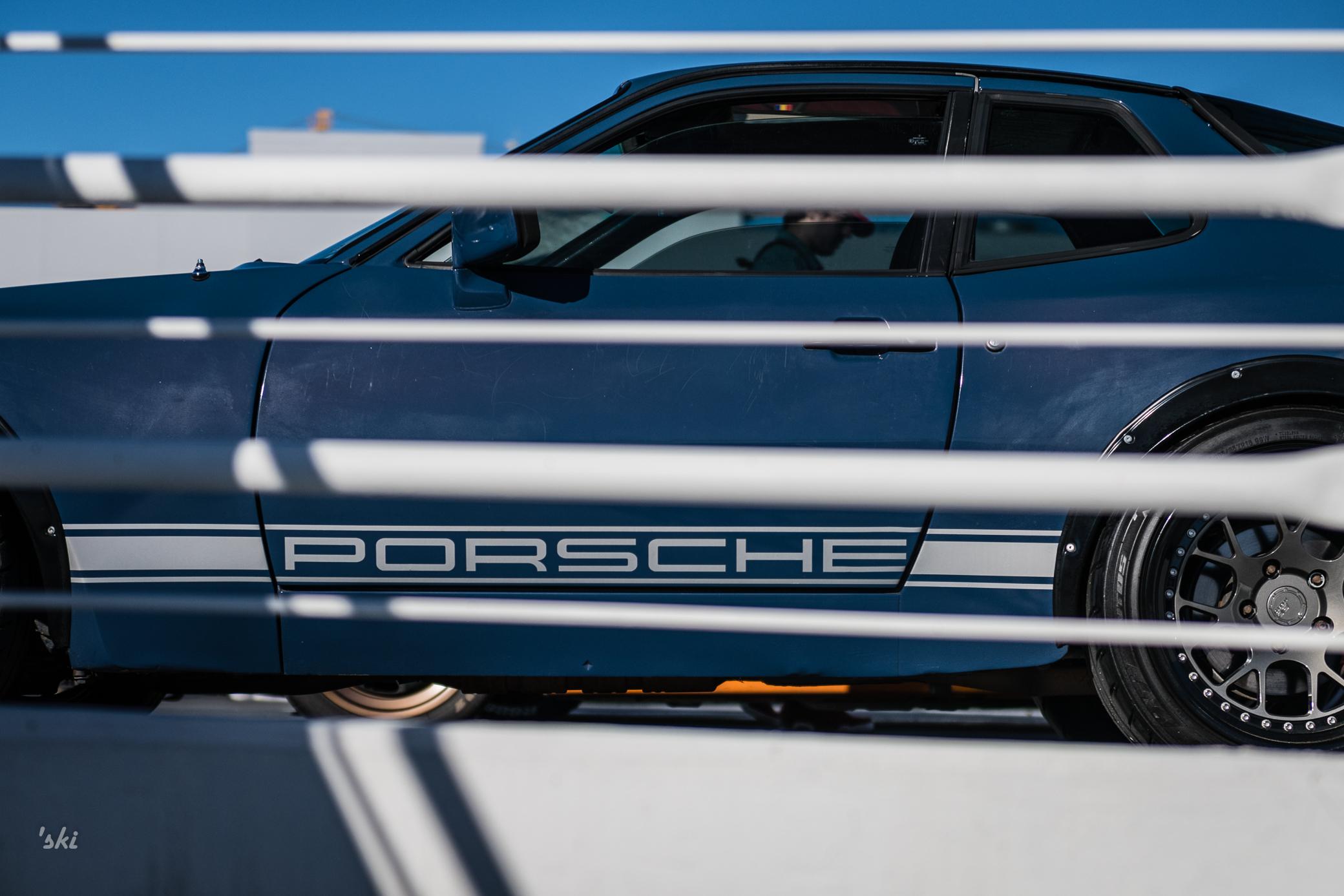 Porsche Between The Lines