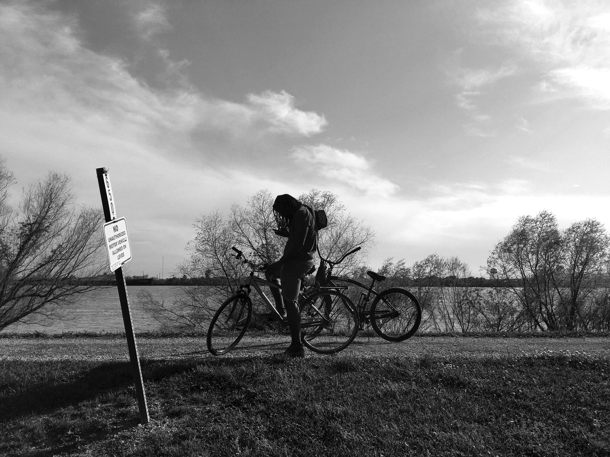 16_04_NOLA_BikeOnLevee.jpg
