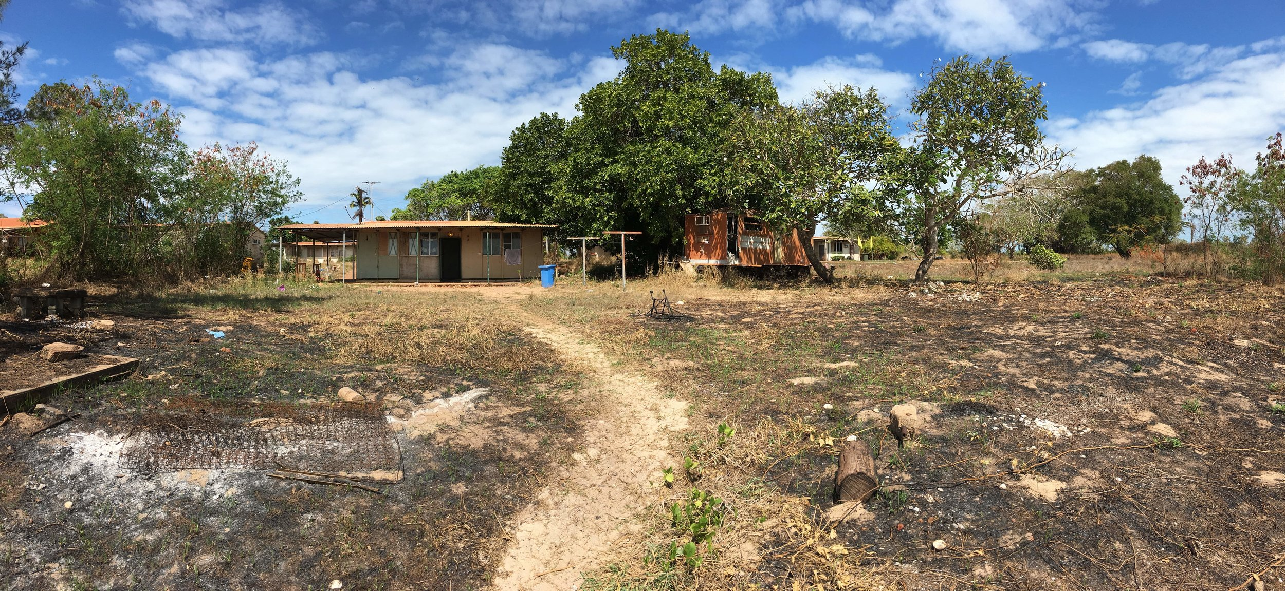 My home for 10 days at Wallaby Beach, 10km from the nearby town of Nhulunbuy. These houses were built by a mining company thirty odd years ago using asbestos and concrete. All in disrepair, they are nestled in paradise.