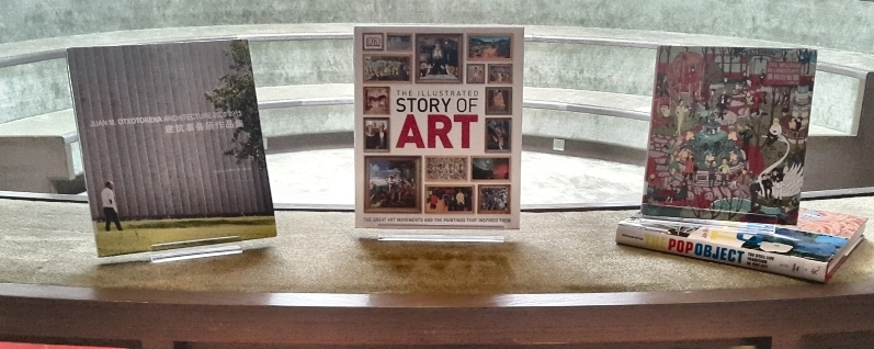 Beautiful Art books in display in the middle of the library
