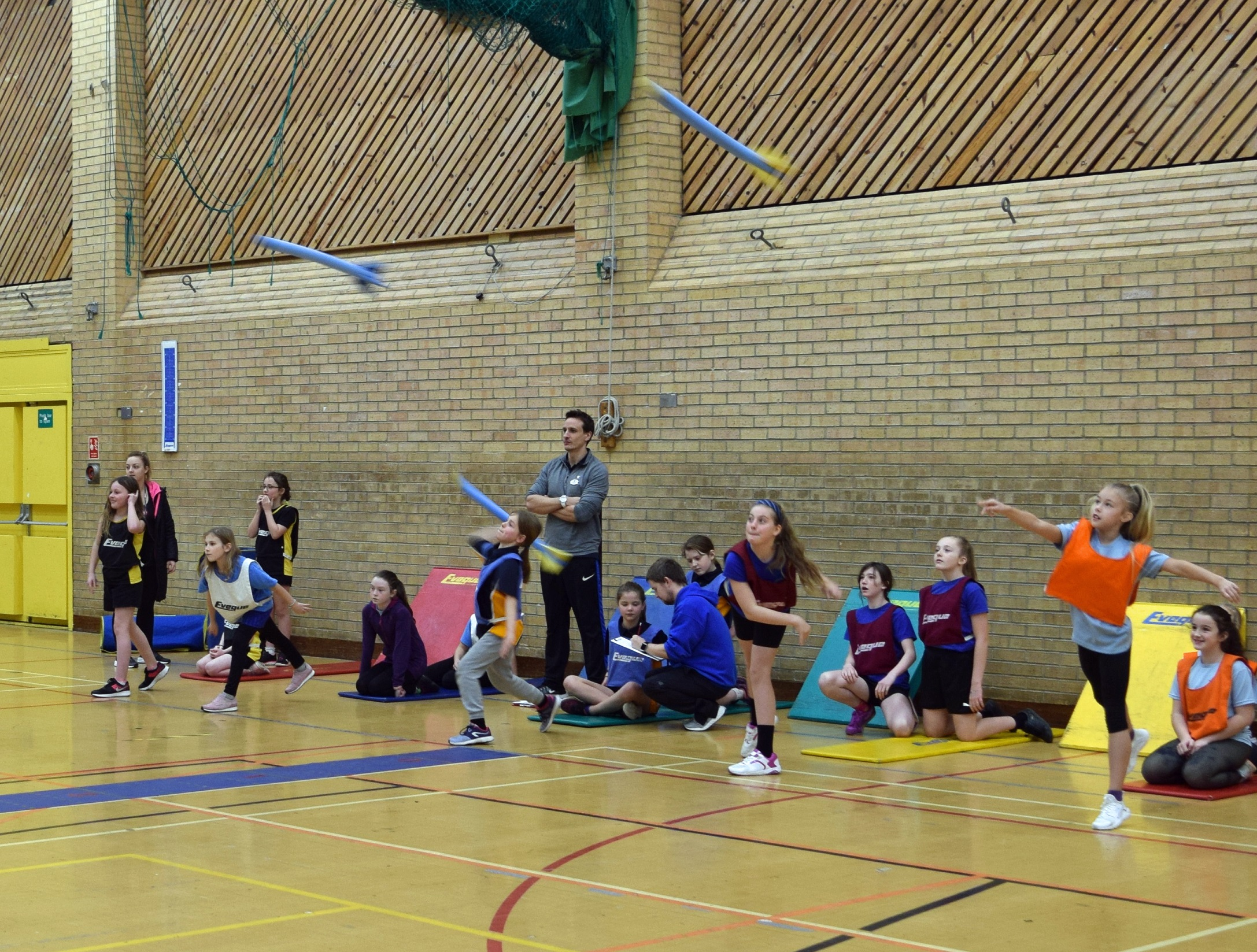yr 7 girls javelin.jpg