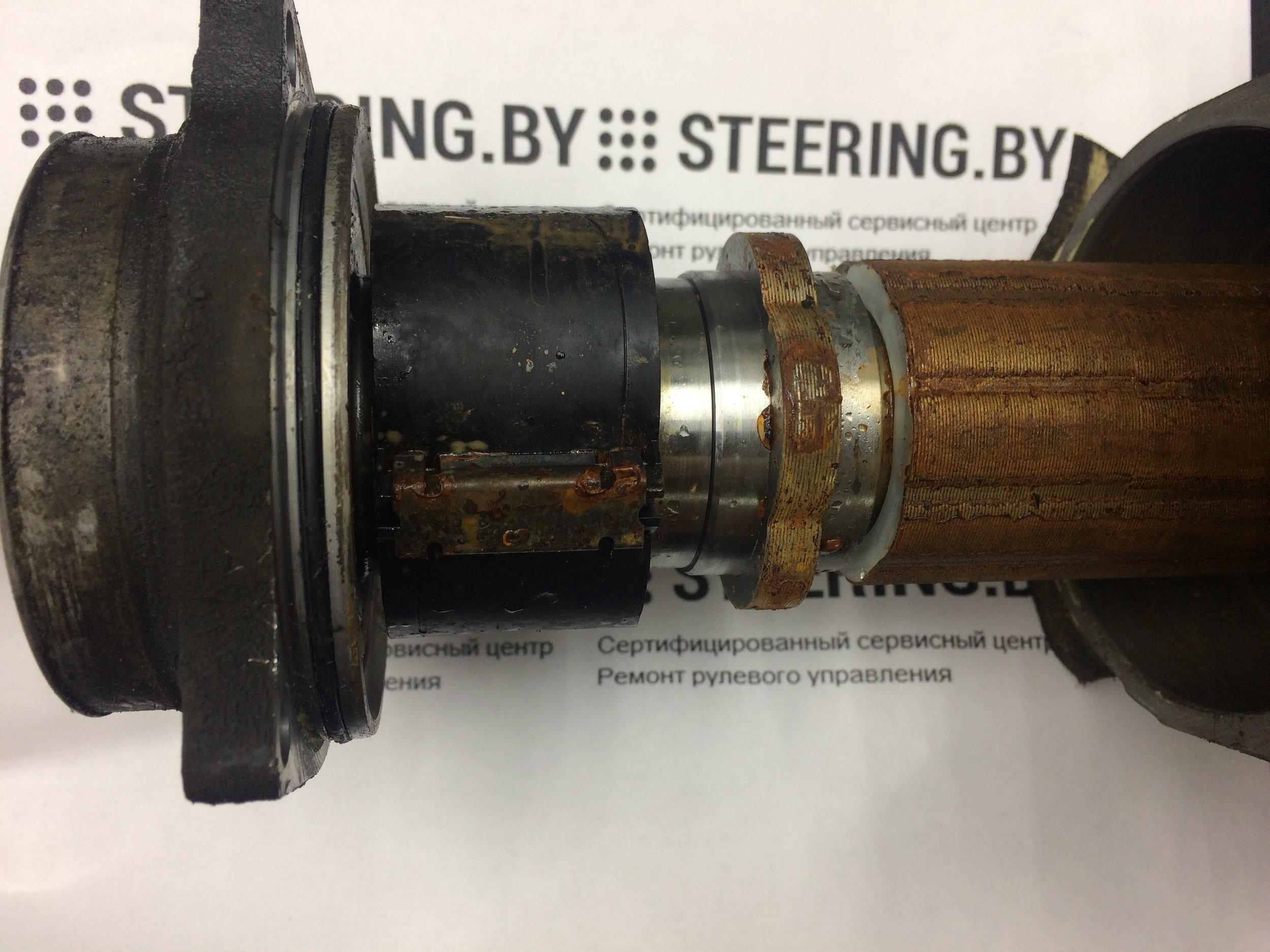Последствия попадания влаги внутрь рулевого механизма Audi 4G1, 8K1, 8R1.