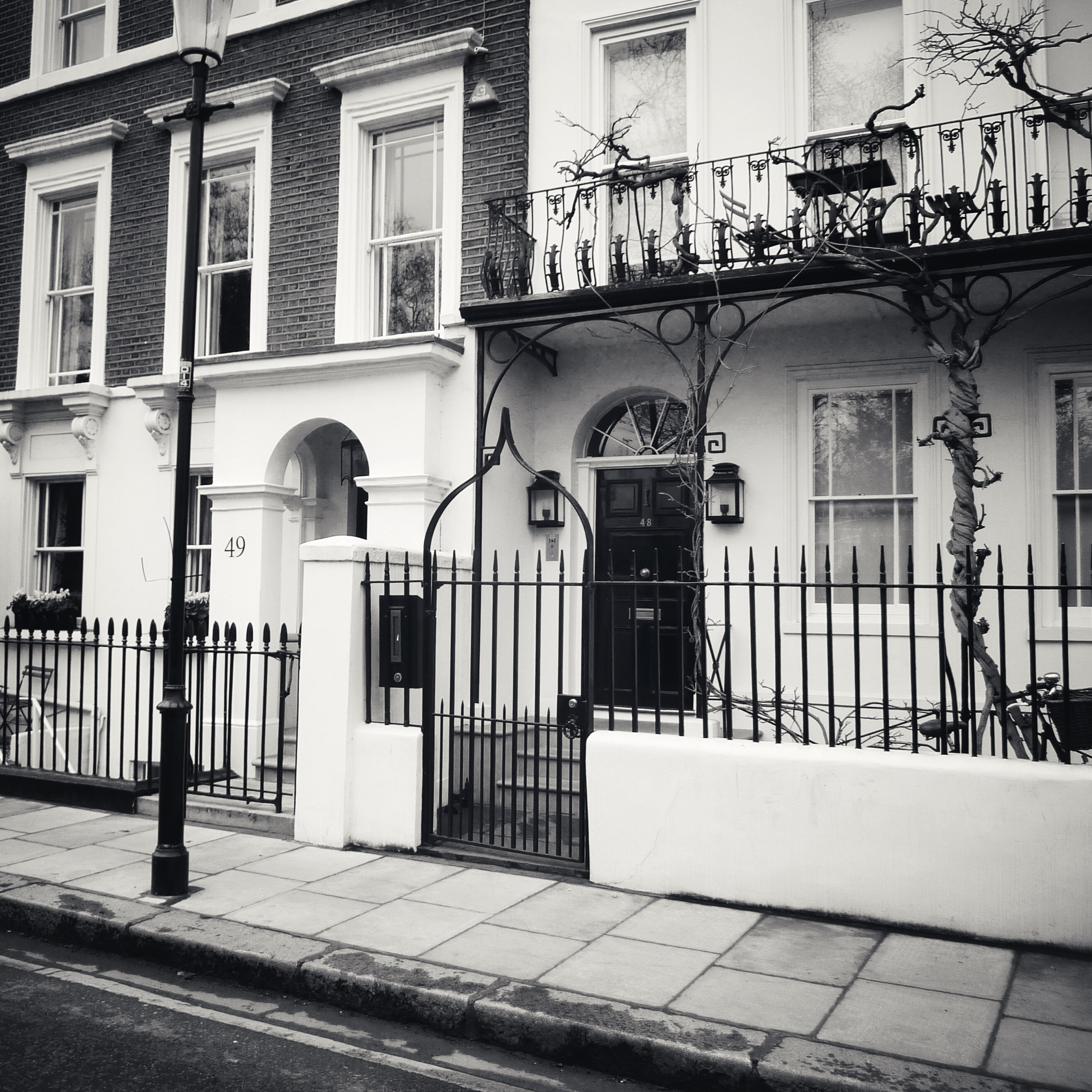 Mick & Marianne's (and Bianca's) Chelsea home