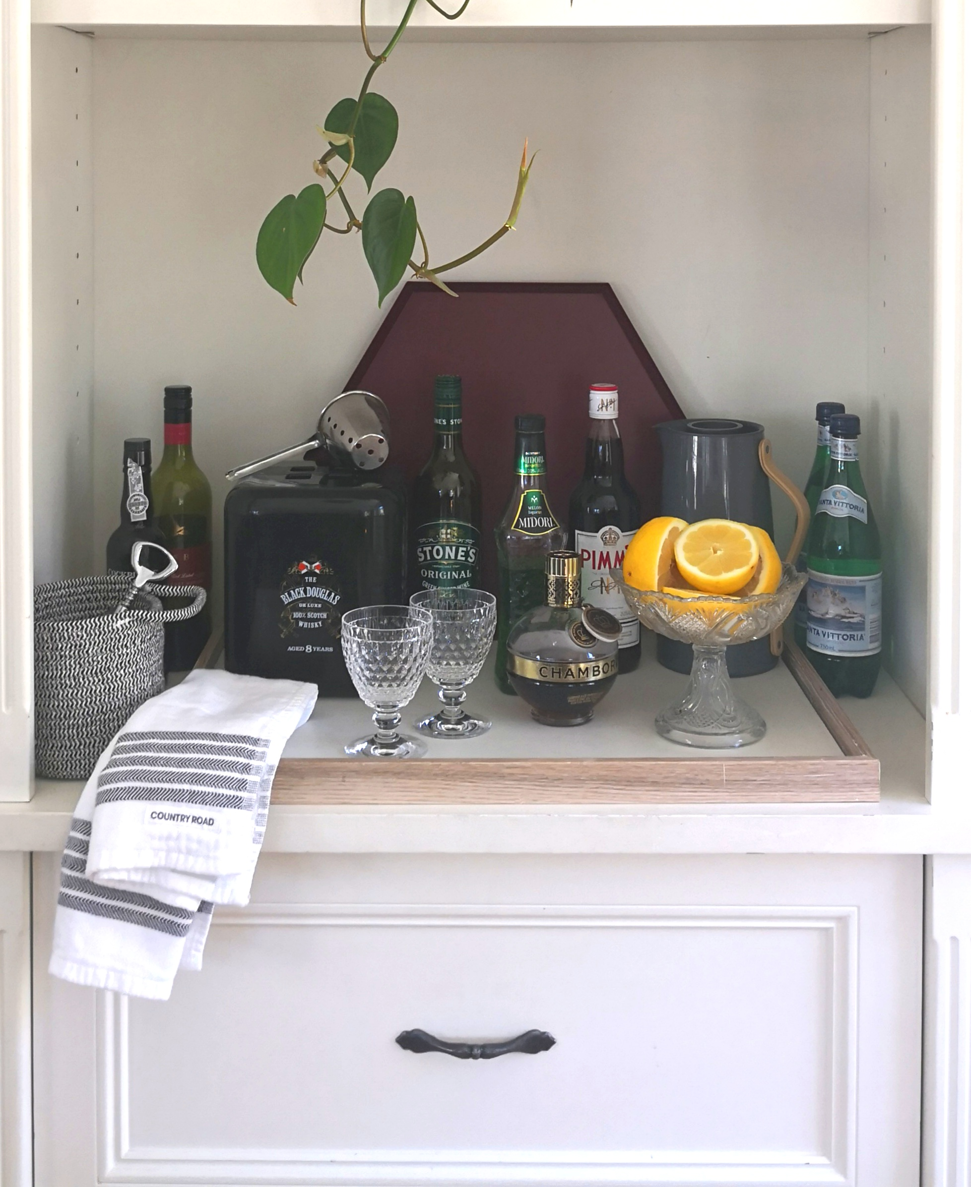 OUR BAR READY FOR FRIENDS