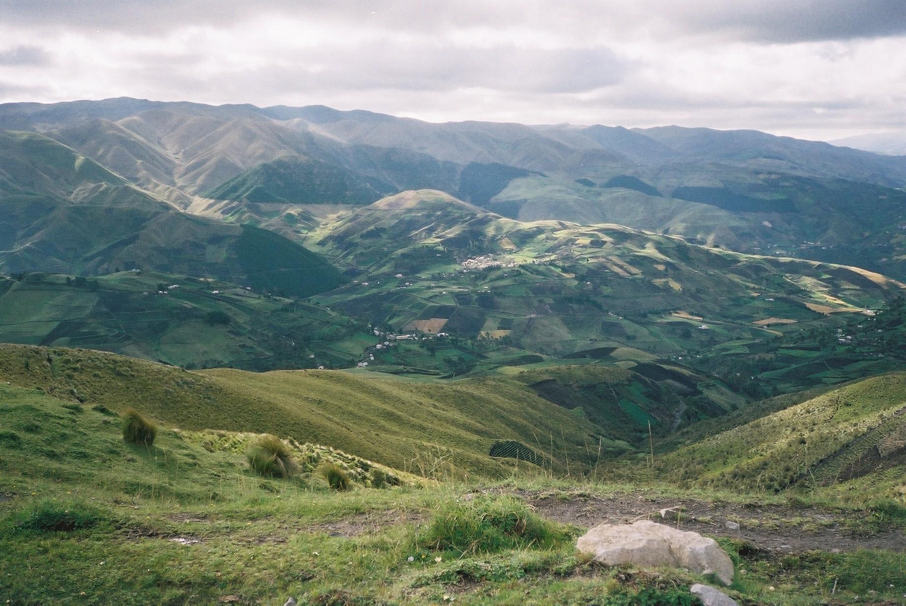E1-Ecuador landscape.jpg