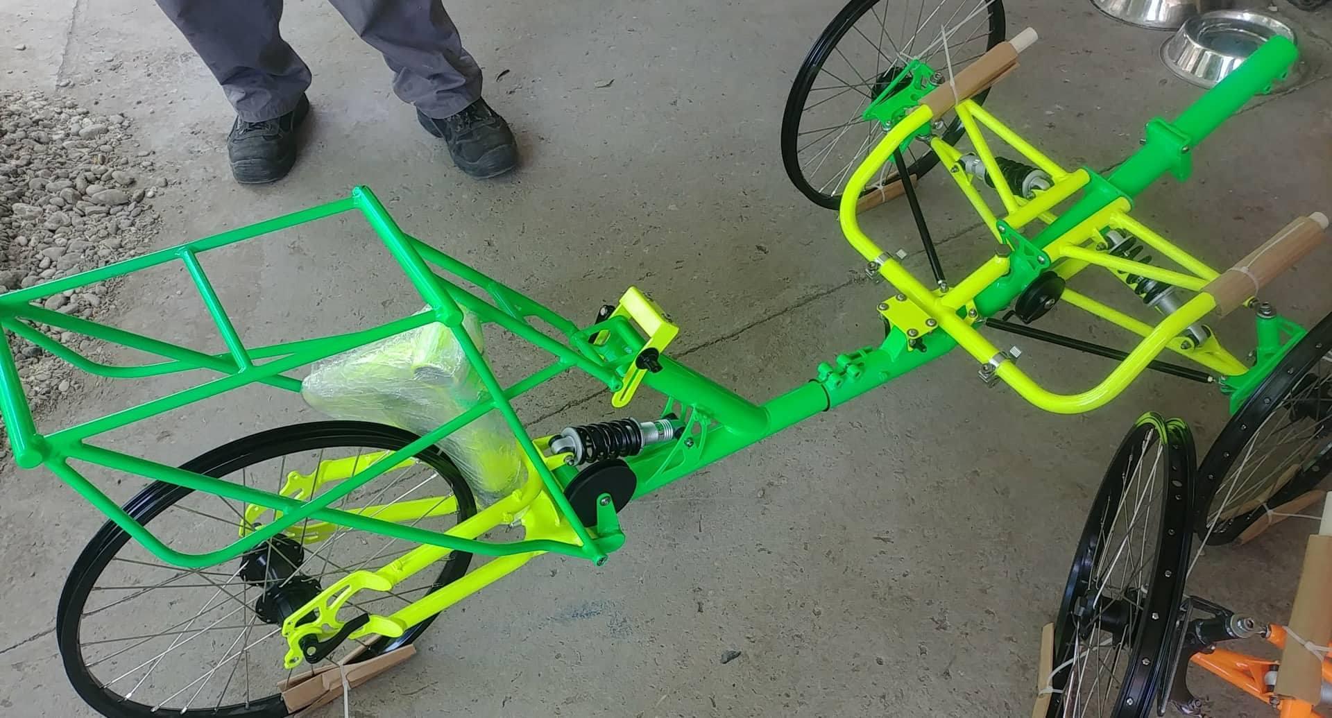 steinie green - bright yellow.jpg