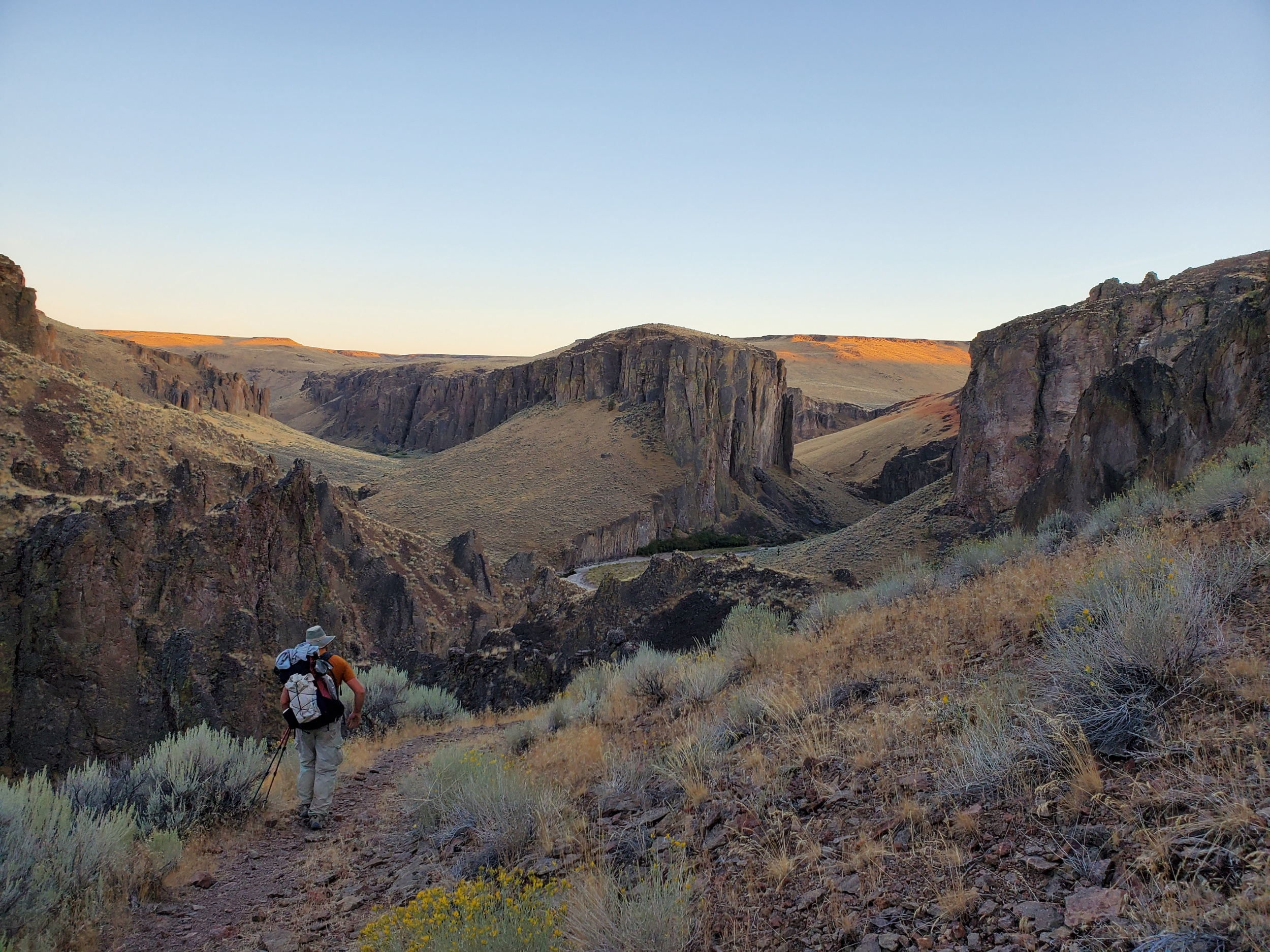 Heading down to the Owyhee river